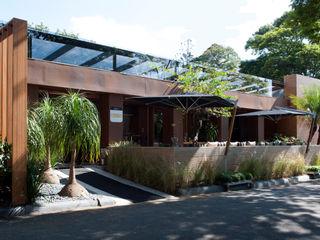 Chocolate Bar - Casa Cor São Paulo Izilda Moraes Arquitetura Casas modernas