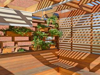 ARCHI-TEXTUAL, PLLC Balcone, Veranda & Terrazza in stile moderno