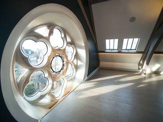 Rooflights at The Sanctuary, Battersea, London Clement Windows Group Janelas e portas ecléticas