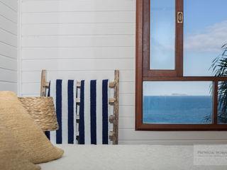 Quarto Casa de Praia - Por Patrícia Nobre Patrícia Nobre - Arquitetura de Interiores Quartos mediterrâneos Branco