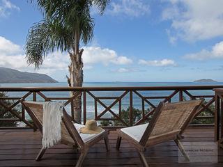 Terraço Casa de Praia - Por Patrícia Nobre Patrícia Nobre - Arquitetura de Interiores Varandas, alpendres e terraços mediterrâneo