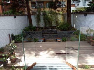 Aménagement d'un jardin de ville sur 4 niveaux Urban Garden Designer JardinPiscines & bassins Ardoise