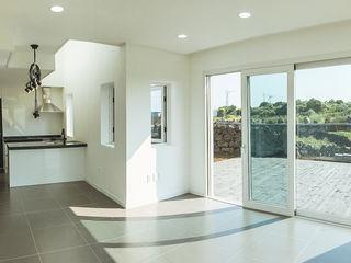AAPA건축사사무소 现代客厅設計點子、靈感 & 圖片
