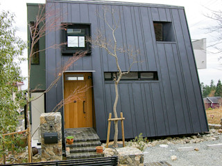 一級建築士事務所アールタイプ Single family home Metal Black