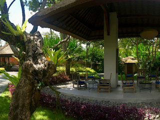 WaB - Wimba anenggata architects Bali Hoteles de estilo ecléctico Madera