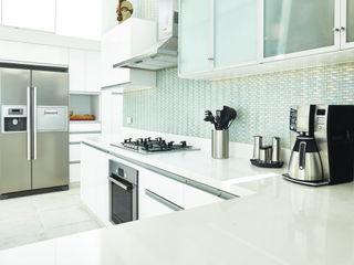 Karím Chaman Arquitectos Modern kitchen