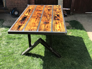 New Patio Table ZENTIA Garden Furniture Metal Multicolored