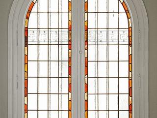 Reforma piso en el eixample barcelonés Isa de Luca Puertas y ventanas de estilo clásico