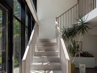 andretchelistcheffarchitects 現代風玄關、走廊與階梯