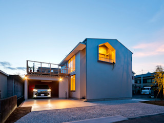 Garage house キリコ設計事務所 Eclectic style garage/shed