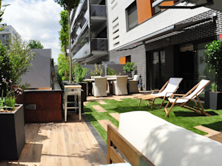 ésverd - jardineria & paisatgisme Balkon, Beranda & Teras Modern