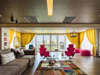 Hany Saad Innovations Salones de estilo ecléctico