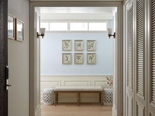 尚展空間設計 Classic style corridor, hallway and stairs Blue