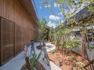武藤圭太郎建築設計事務所 Jardin moderne Bois Marron