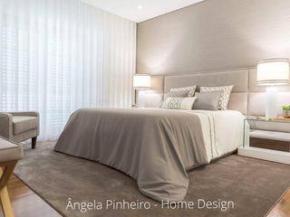 Ângela Pinheiro Home Design Kamar Tidur Gaya Eklektik Wood effect
