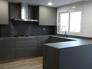femcuines Industrial style kitchen