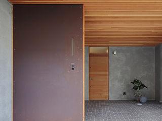藤原・室 建築設計事務所 Asiatische Garagen & Schuppen