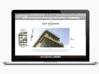 Guy Vaughan, Identité visuelle Print & Web Thibaut Solvit Espaces de bureaux minimalistes Multicolore