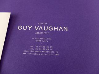 Guy Vaughan, Identité visuelle Print & Web Thibaut Solvit Centre d'expositions minimalistes