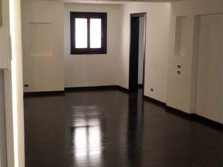 Private Apartment Module Pasillos, vestíbulos y escaleras modernos