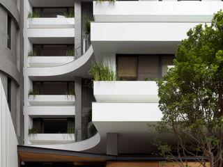 FAMWOOD 自然紅屋 Balconies, verandas & terraces Plants & flowers