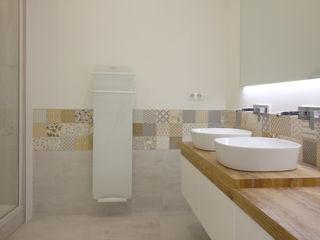 Rénovation complète d'un appartement Haussmannien Deco-Daix Salle de bain scandinave Effet bois