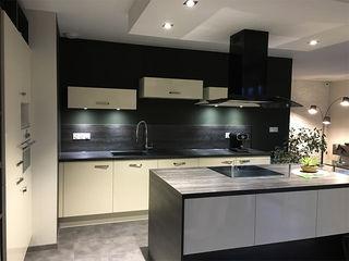Aménagement de l'espace et décoration d'intérieur - Maison témoin - Drôme (26) KREA Koncept Cuisine moderne