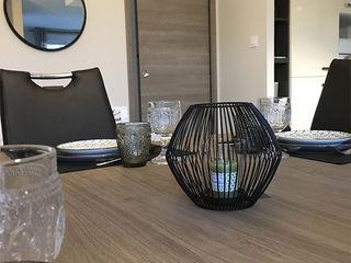 Aménagement de l'espace et décoration d'intérieur - Maison témoin - Drôme (26) KREA Koncept Salle à manger moderne