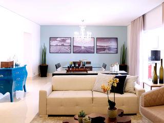 Haus Brasil Arquitetura e Interiores Rustic style living room Blue