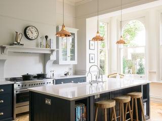 The Crystal Palace Kitchen by deVOL deVOL Kitchens Кухонні прилади Синій