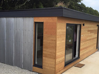 THINKING OF ADDING A GARDEN ROOM TO YOUR HOME? Building With Frames Minimalist house Wood