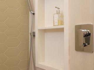 Paula Müller Arquitetura e Design de Interiores Modern bathroom