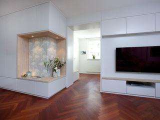 Wohnung Frankfurt SIMONE JÜSCHKE INNEN ARCHITEKTUR Moderne Wohnzimmer Holz Grau
