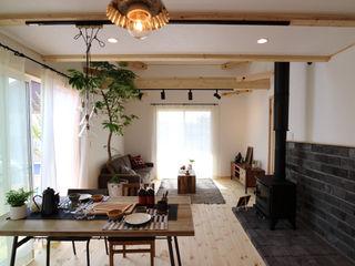 "Model House ""useful"" 85inc. インダストリアルデザインの ダイニング 木 木目調"