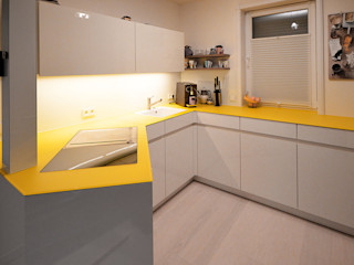 Glascouture by Schenk Glasdesign KitchenBench tops Glass Yellow