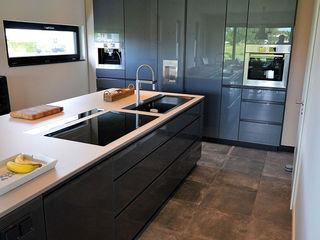 Glascouture by Schenk Glasdesign KitchenBench tops Glass Beige