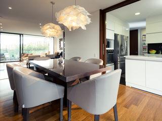 Munera y Molina Столовая комната в стиле модерн