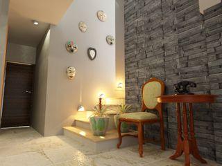 OLLIN ARQUITECTURA Modern Corridor, Hallway and Staircase Stone Multicolored