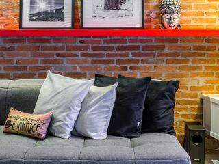 okha arquitetura e design Office spaces & stores Bricks Red