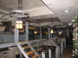 Richimi Factory Tường & sàn phong cách mộc mạc