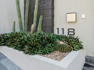LOS OLIVOS Rousseau Arquitectos Jardines modernos