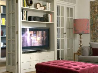 Andrea Rossini Architetto Classic style living room