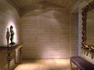 Andrea Rossini Architetto Classic style corridor, hallway and stairs
