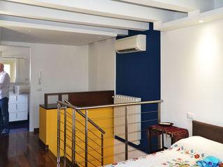 arch. Paolo Pambianchi Quarto de criançasEscrivaninha e cadeiras Madeira Amarelo
