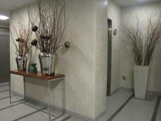Richimi Factory Tường & sàn phong cách tối giản