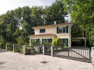 Stadtvilla im mediterranen Stil wir leben haus - Bauunternehmen in Bayern Landhaus
