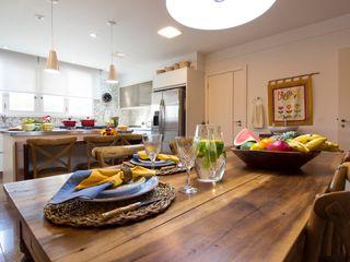 IZI HOME Interiores KuchniaStoły i krzesła