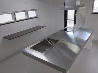 hacototo design room Cuisine industrielle Fer / Acier Métallisé / Argent