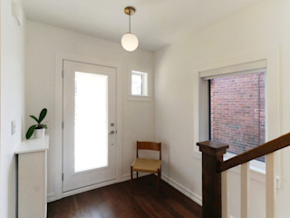 Solares Architecture 隨意取材風玄關、階梯與走廊 木頭 White