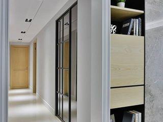 台中 - 喬立 禾廊室內設計 經典風格的走廊,走廊和樓梯